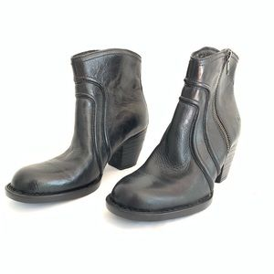 Born Anny Black Leather Zip Ankle Boot